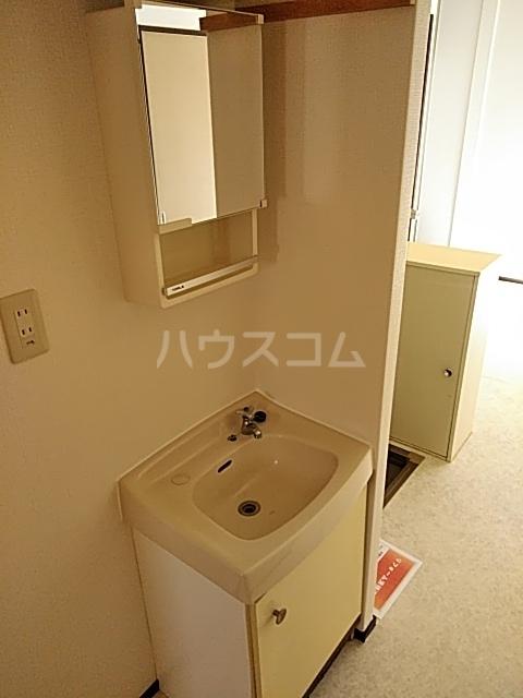 エルム 102号室の洗面所