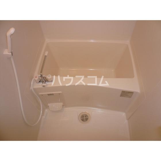 シャルム ハイツ 203号室の風呂