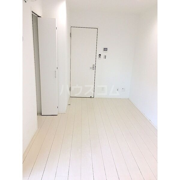 レガーロ荒子 201号室のリビング