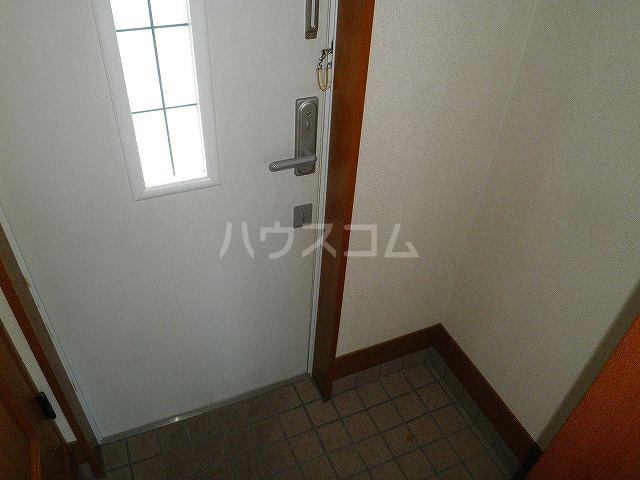タウンエステート川島の玄関
