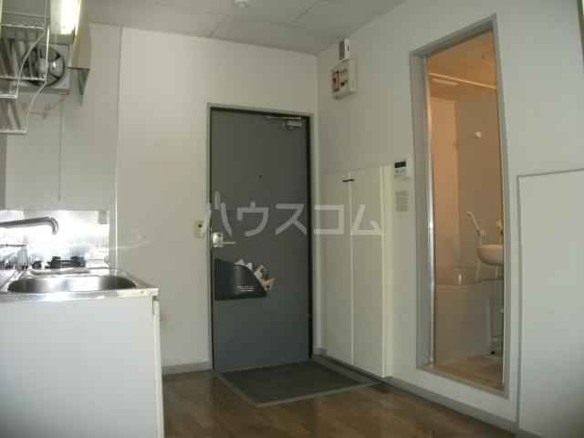ナリッシュ B-205号室のキッチン
