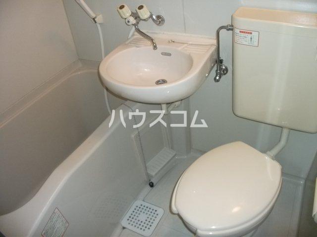 ナリッシュ B-205号室の風呂