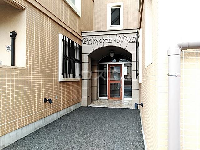 プリマリア・ノール 105号室の駐車場
