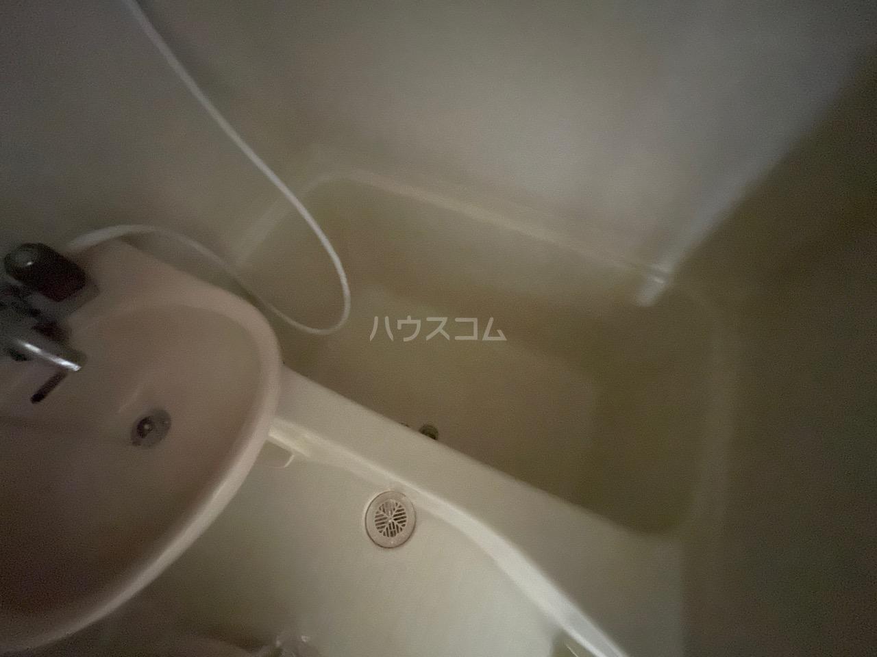 シャトール田口戸塚Ⅱ 103号室の風呂