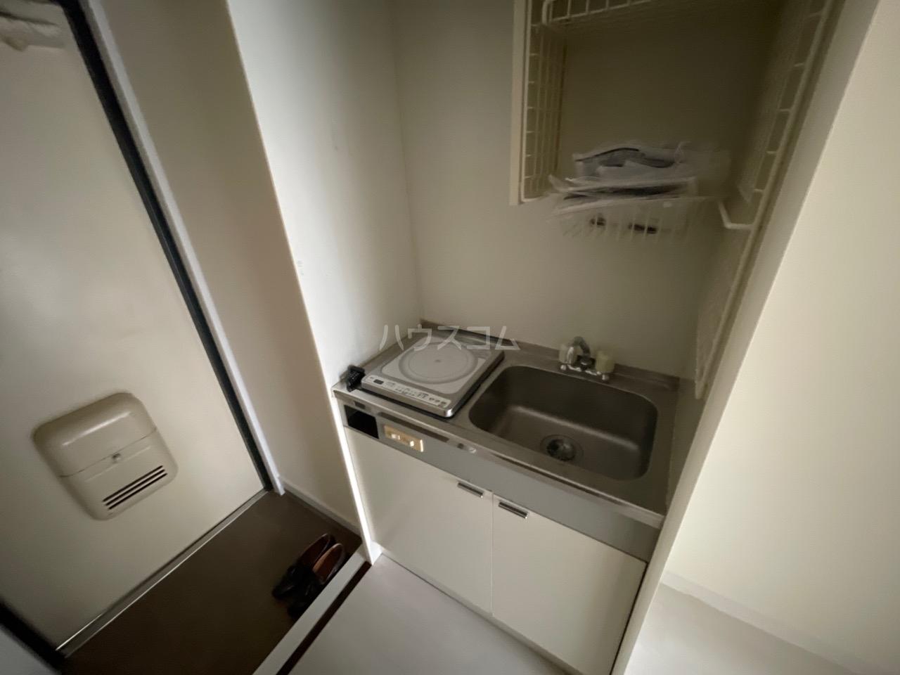 シャトール田口戸塚Ⅱ 103号室のキッチン