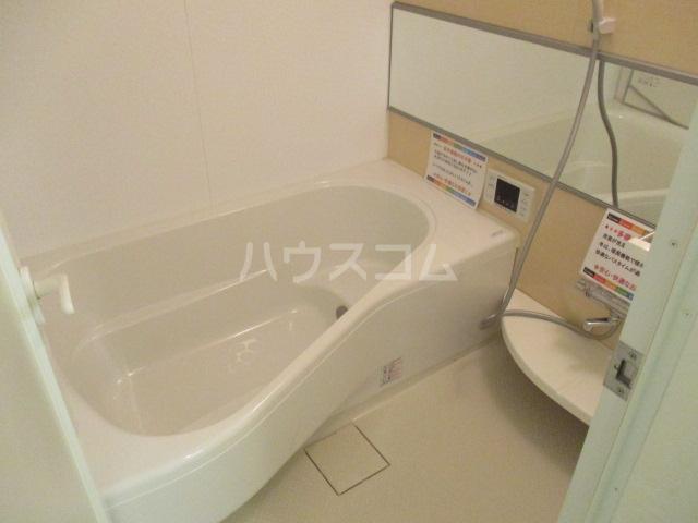 コモレビ大蔵E棟 202号室の風呂