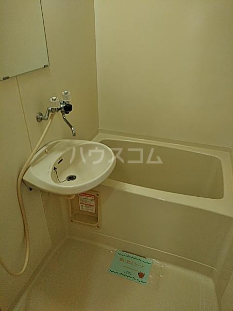 ハイツ早明 203号室の風呂
