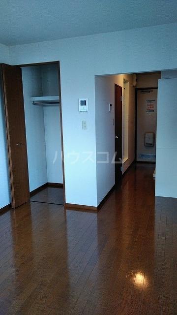 ベルグレース桜新町 201号室の玄関