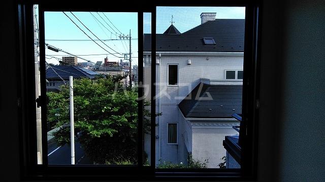 ベルグレース桜新町 201号室の居室