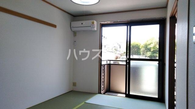 石川ハイツ 102号室の居室