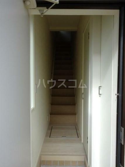 ルナーレ 202号室の玄関
