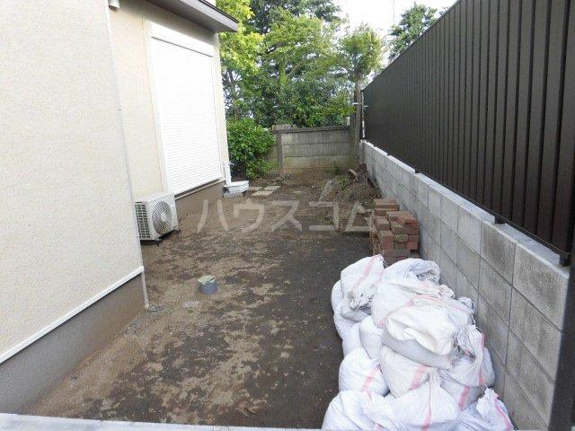 ルナーレ 202号室の庭