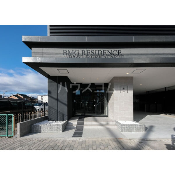 BMG RESIDENCE 1002号室のエントランス