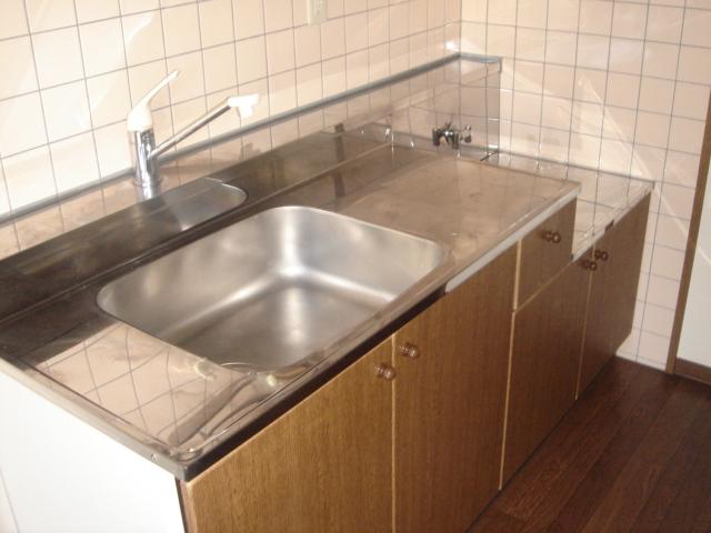ル・クオーレ 202号室のキッチン