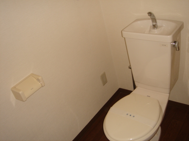 ル・クオーレ 202号室の洗面所