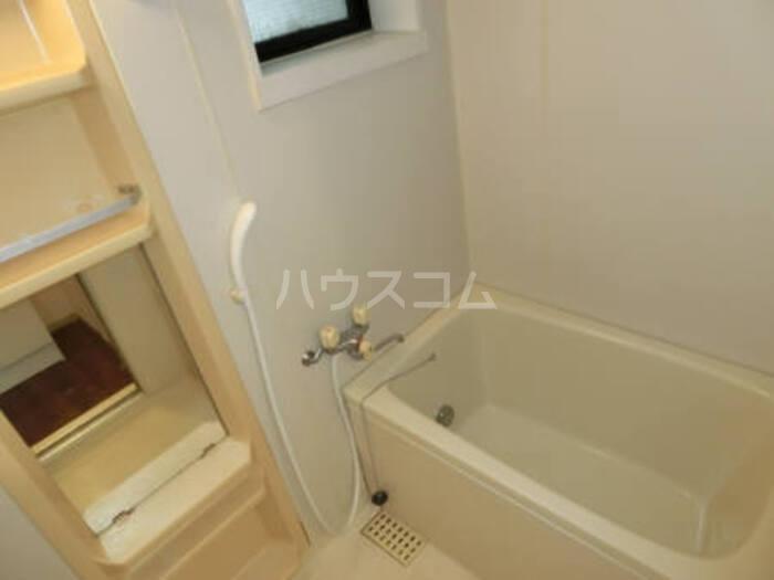 クレスト松代 D 102号室の風呂