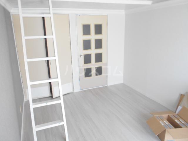 ビセンテハウス昭和町 102号室の収納