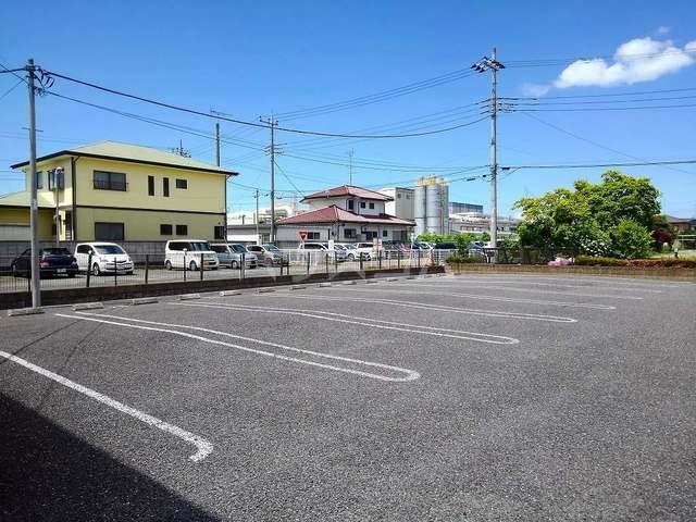 ヴィラ・ロ-ゼⅡ 01010号室の駐車場