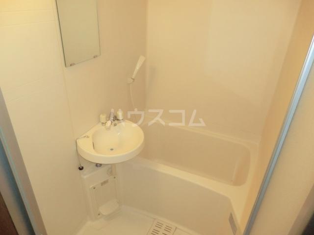 ミドルヴィレッジ 101号室の風呂