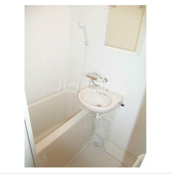 フェニックス横濱井土ヶ谷 205号室の風呂