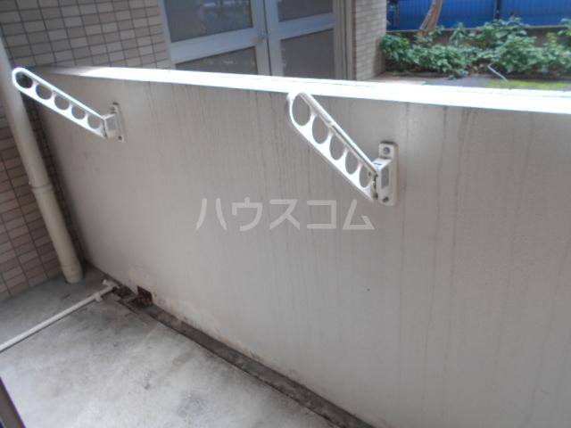 LINX NARIMASU 110号室のバルコニー