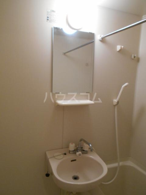 LINX NARIMASU 110号室の洗面所