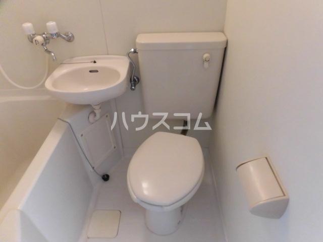 アーバンフォレスト 201号室のトイレ