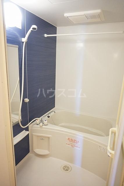 サン マーベラス B 02030号室の風呂