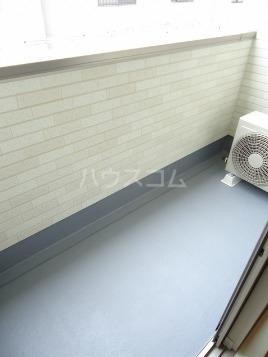 ヴァン ベール 02010号室のバルコニー