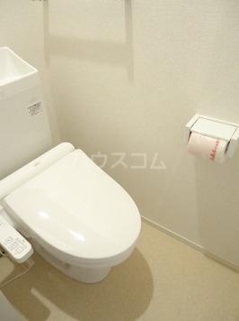 ヴァン ベール 02010号室のトイレ