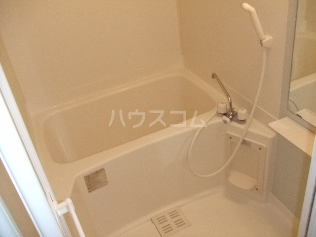 プルミエールB 01030号室の風呂
