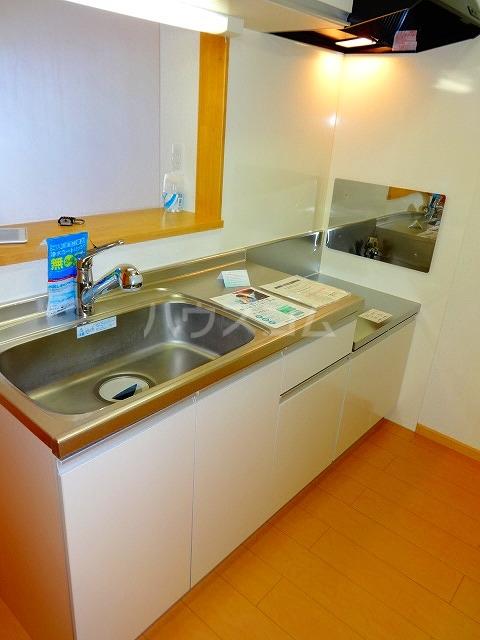 ジェルメ 02010号室のキッチン