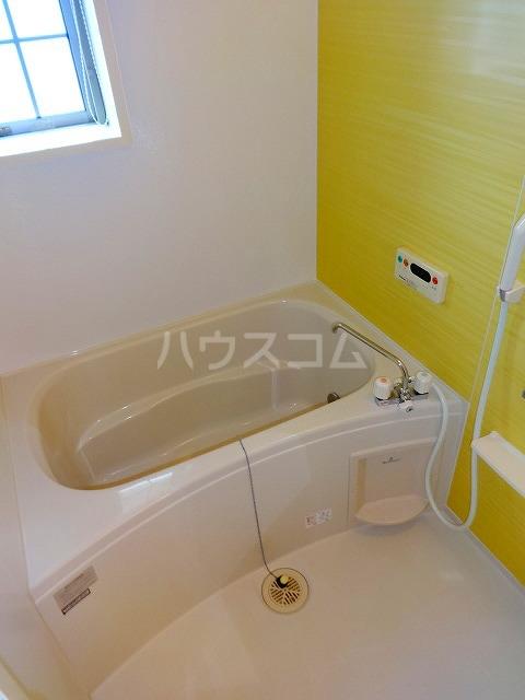 ジェルメ 02010号室の風呂
