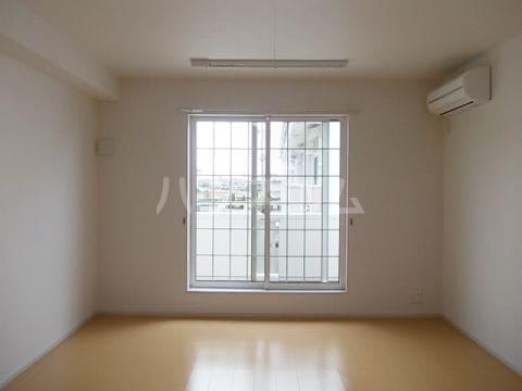 エムズ サニーガーデンⅢ 02040号室のバルコニー