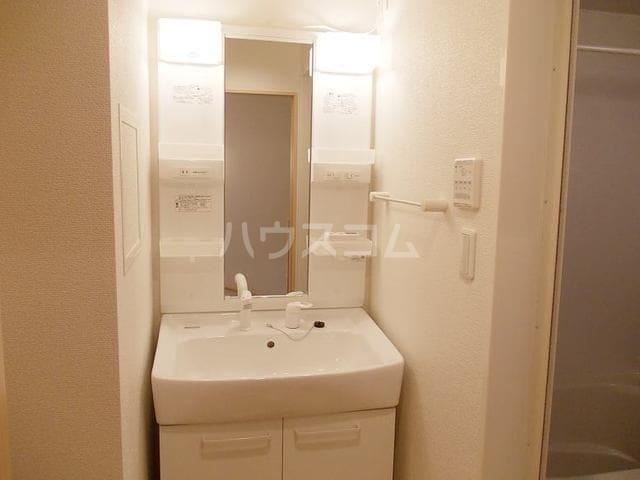 エムズ サニーガーデンⅢ 02040号室の洗面所