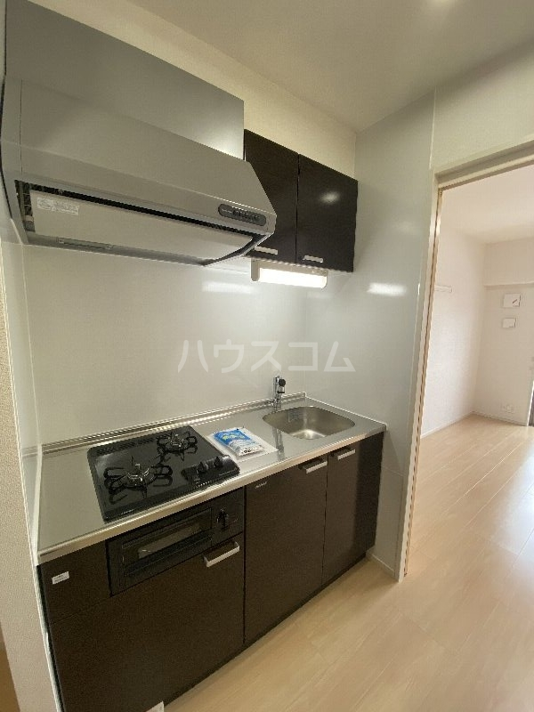 アンドーバーテラス金城 サウス 01020号室のキッチン