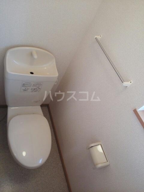 プラシドB 01010号室のトイレ