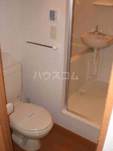 レオパレスMONTEMARE 104号室のトイレ