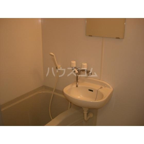 カレント 204号室の洗面所
