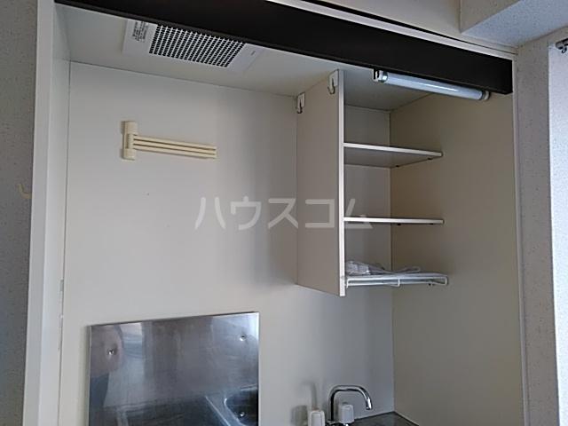 グランデュール宮崎台 301号室のキッチン