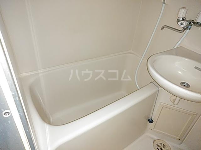 グランデュール宮崎台 301号室の風呂