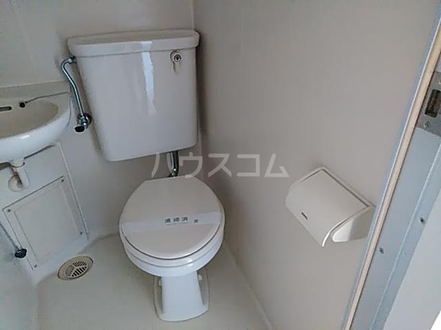 グランデュール宮崎台 301号室のトイレ