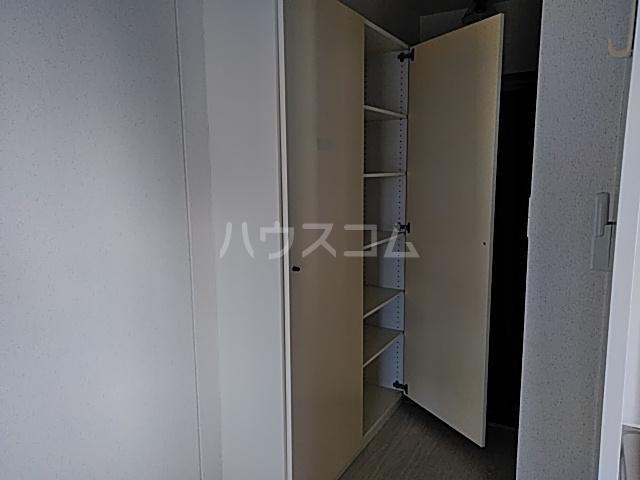 グランデュール宮崎台 301号室の収納
