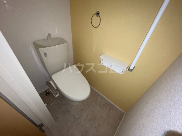 パレスアリオン佐倉Ⅱ 01030号室のトイレ