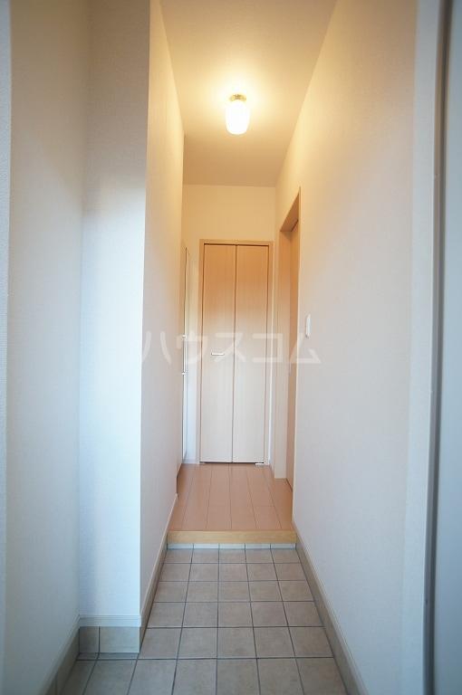 グレース・ヴィラ 壱番館 01020号室の玄関
