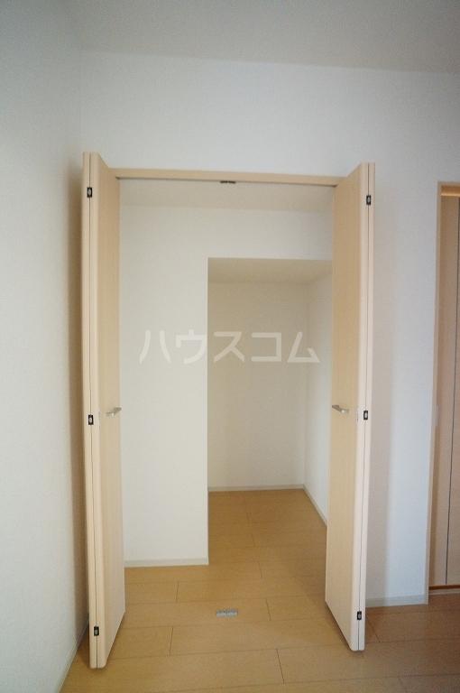 グレース・ヴィラ 壱番館 01020号室の収納