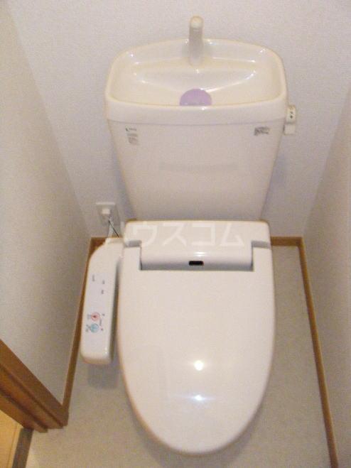 ブルーリッジ 02020号室の駐車場