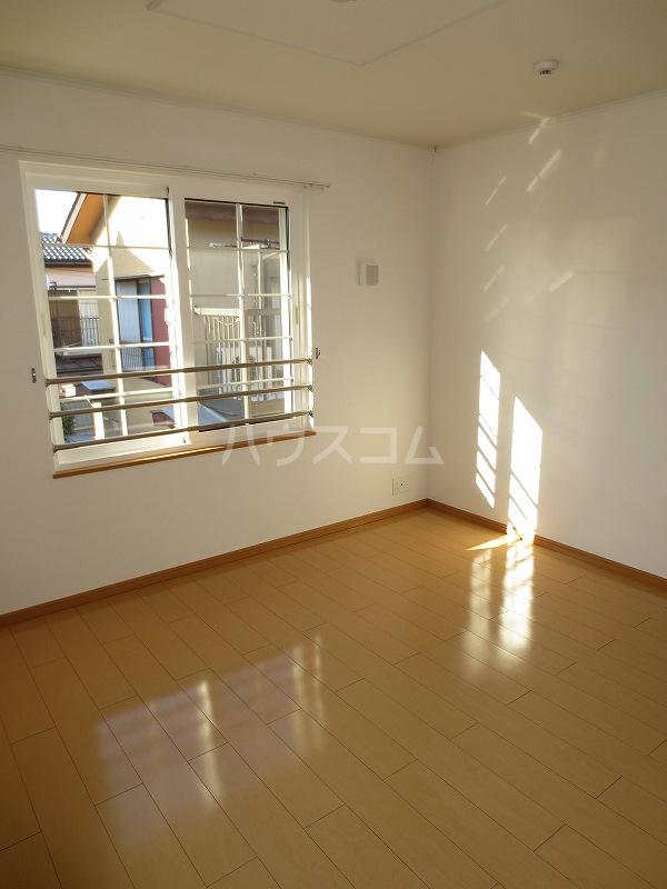 ブルーリッジ 02020号室の居室