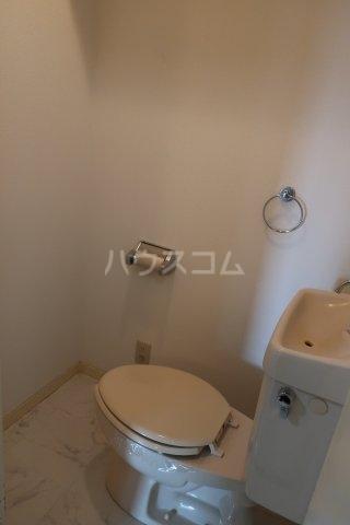 レスカール一番町 504号室のトイレ