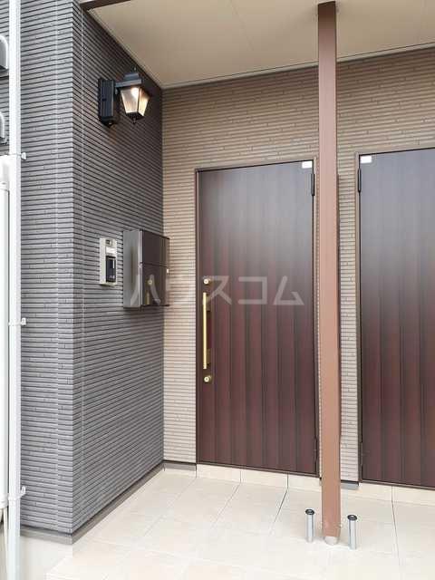 イストワールkita B 02010号室のエントランス